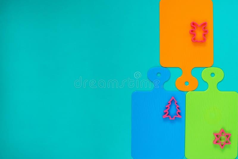 Patroon van gekleurde scherpe raad en vormen voor baksel stock foto