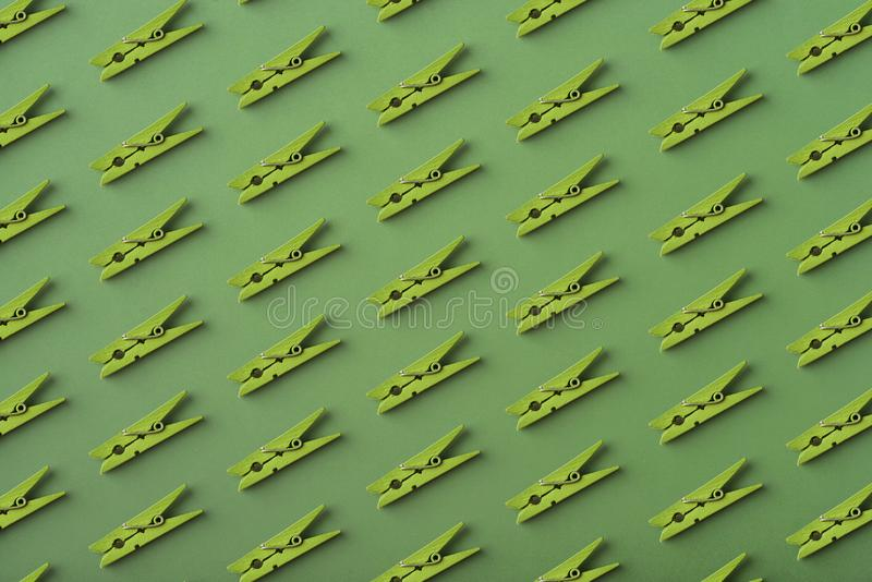 Patroon van groene wasknijpers stock afbeeldingen
