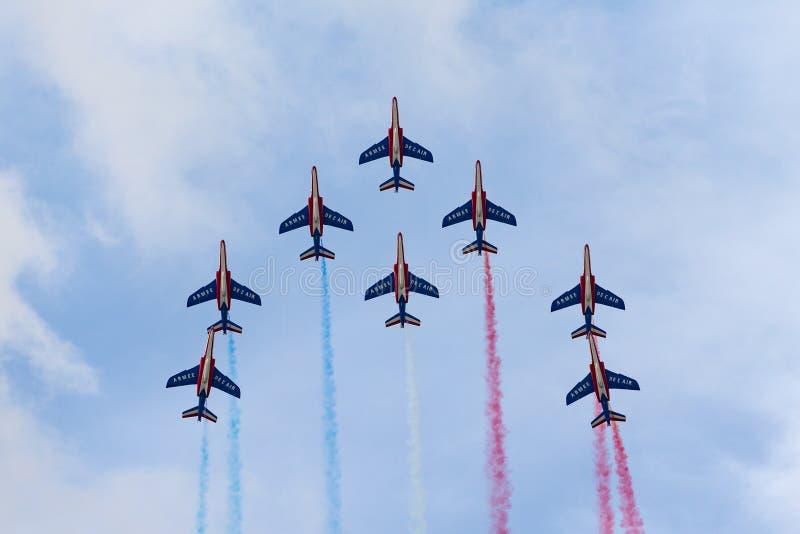 Patrouille de法国,法国空军队Armee de飞行达萨尔道尼尔阿尔法喷气机E喷气机的la€TAirAir的特技显示队 图库摄影