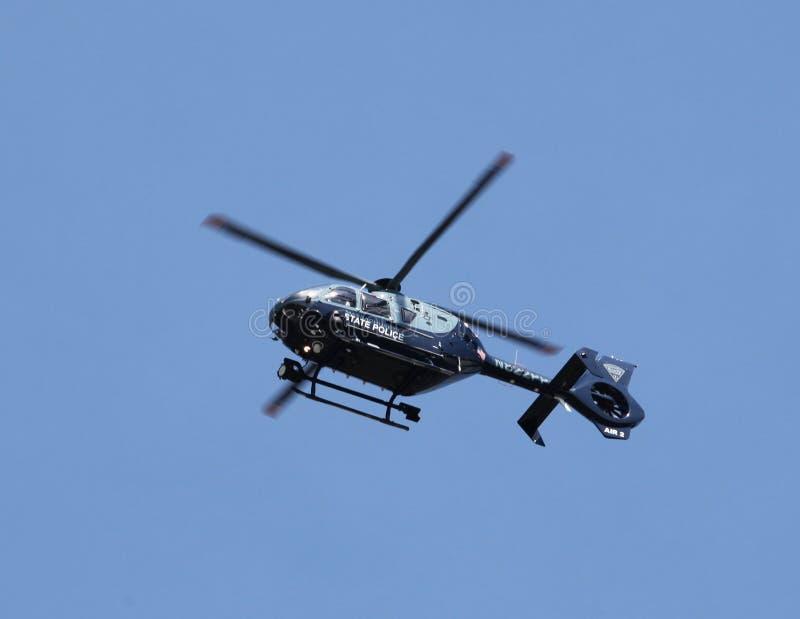 Patrouilles d'hélicoptère de police d'état du Massachusetts photos stock