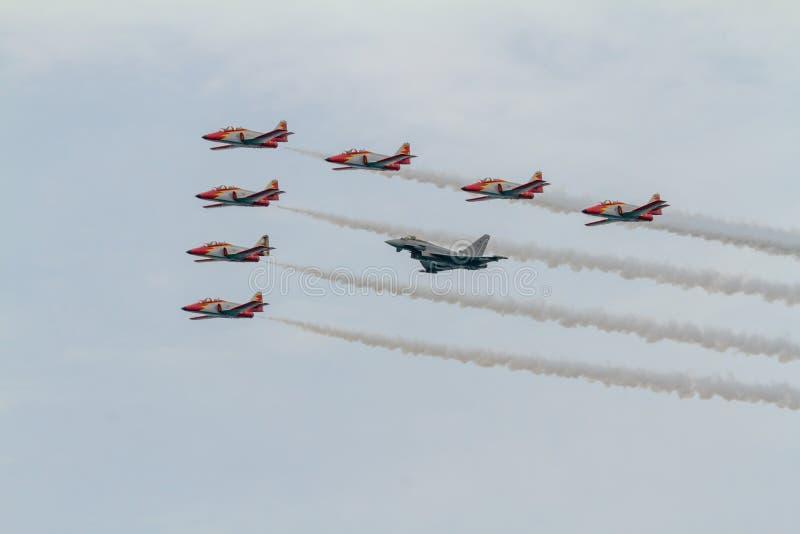 Patrulla Aguila和Eurofighter Typho的飞机住处C-101 库存照片