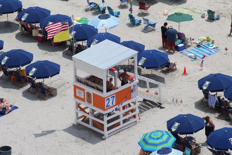 Patrulla de la playa que nos mantiene seguros salvavidas del SC de Myrtle Beach imagen de archivo libre de regalías