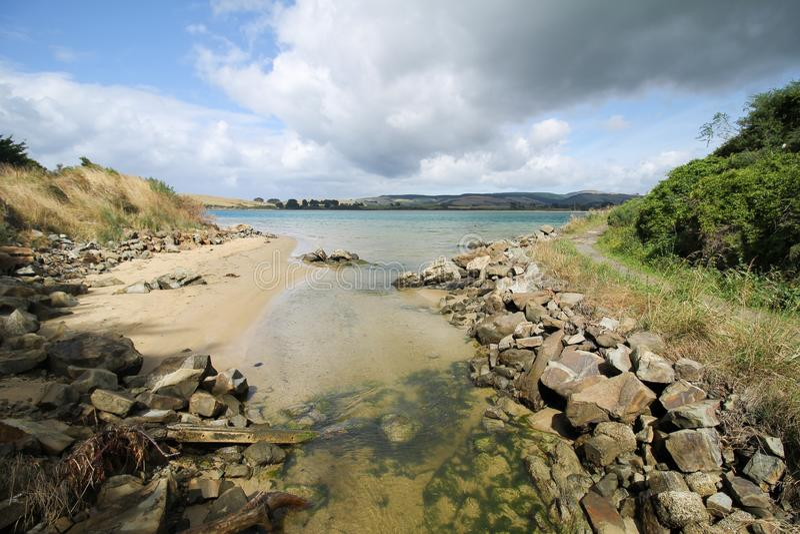 Patrzeć Catlins rzeka daje Ładnej naturze zdjęcia royalty free