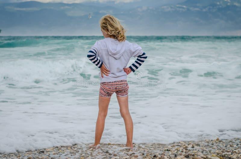 Patrzeć morze obrazy stock