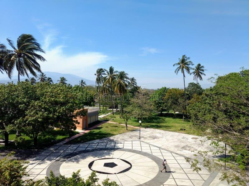 Patrzeć niebo Colima obrazy stock