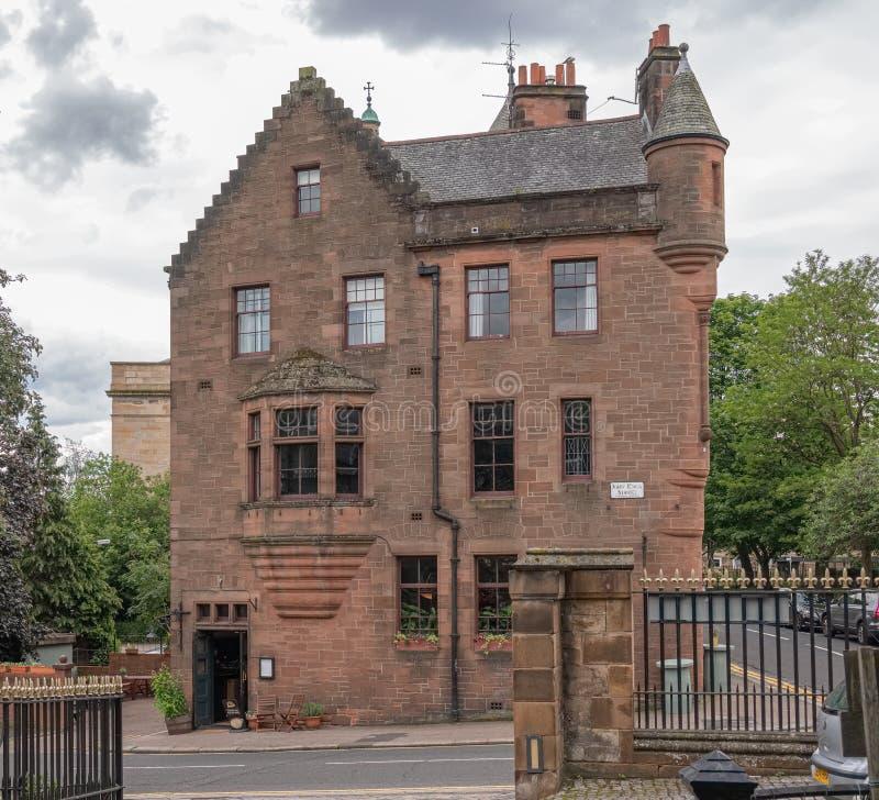 Patrzeć od Necropolis Glasgow miasto stary i nowy i imponująco architektura Katedralny Domowy hotel w John zdjęcie stock