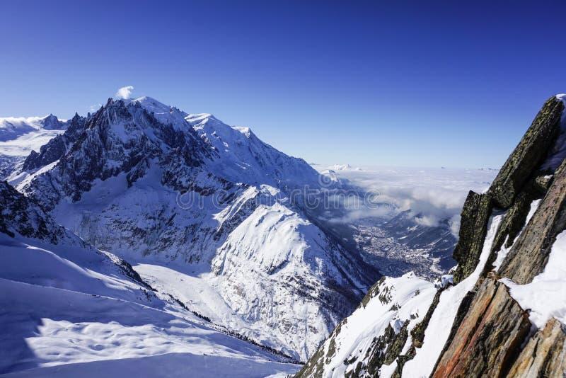 Patrzeć w dół Chamonix obraz royalty free