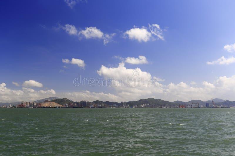 Patrzeć zhangzhou port od gulangyu wyspy Xiamen miasto zdjęcia stock