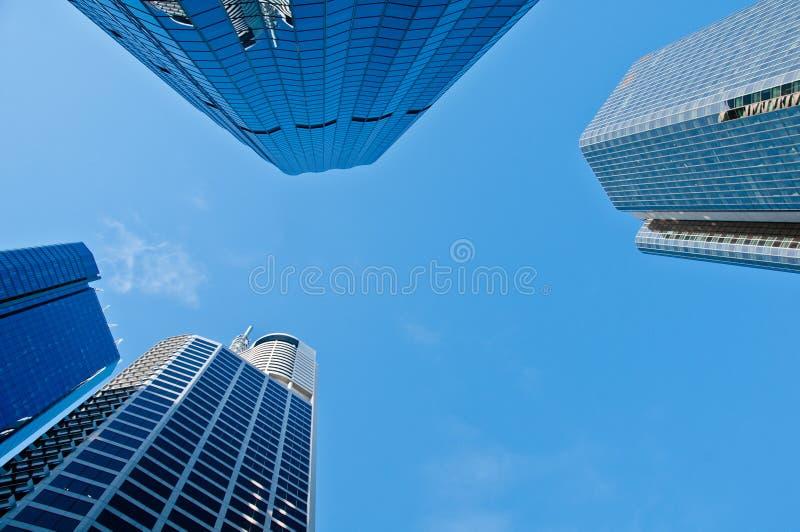 Patrzeje do drapacza chmur banka budynków biurowych fotografia royalty free
