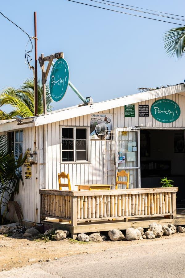 Patsys CoffeeShop na falezach Negril w zachodnim konu, Negril, Westmoreland obraz stock