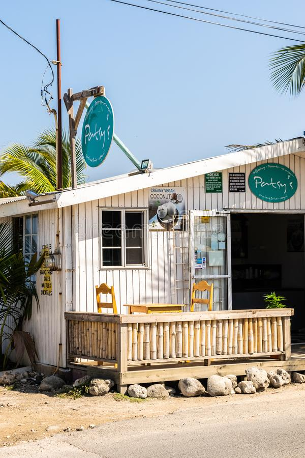 Patsys CoffeeShop sulle scogliere di Negril nel West End, Negril, Westmoreland immagine stock