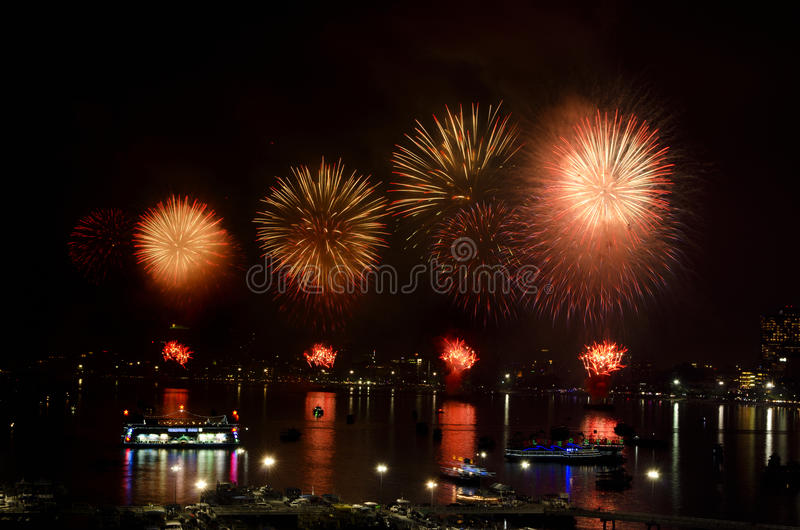 Download Pattaya International Fireworks Festival 2012 Editorial Stock Photo - Image: 28003968