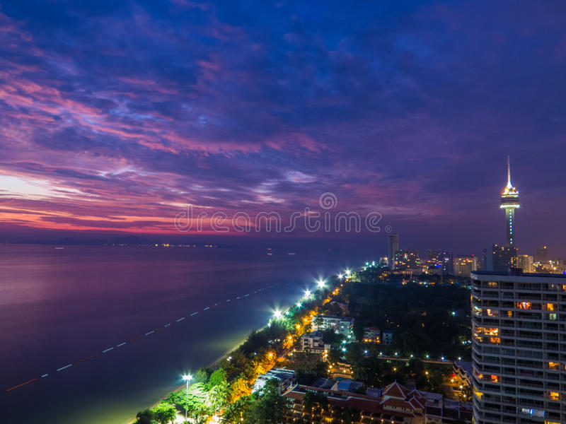 Pattaya par nuit images stock