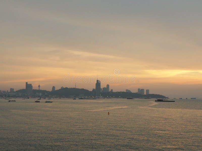 Pattaya plaża przy końcówką słońce zdjęcia royalty free