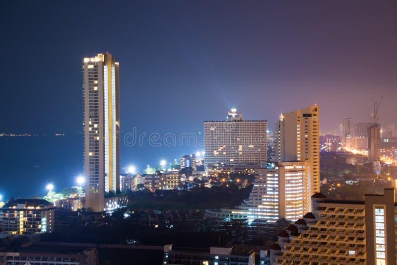 Pattaya stadsscape på natten royaltyfri fotografi