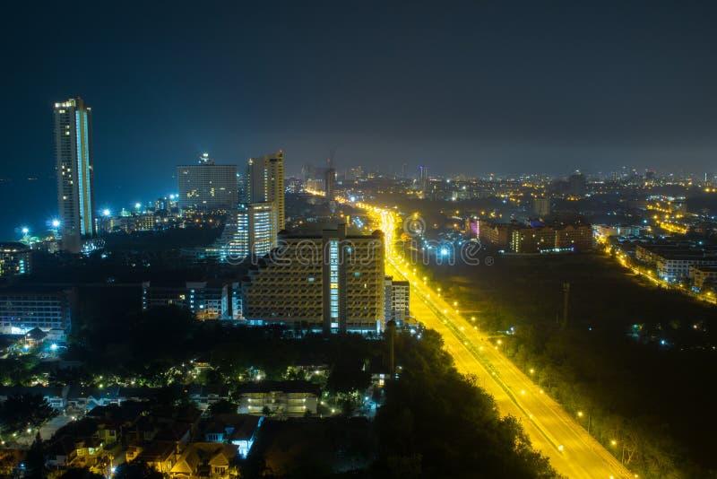 Pattaya stadsscape på natten fotografering för bildbyråer