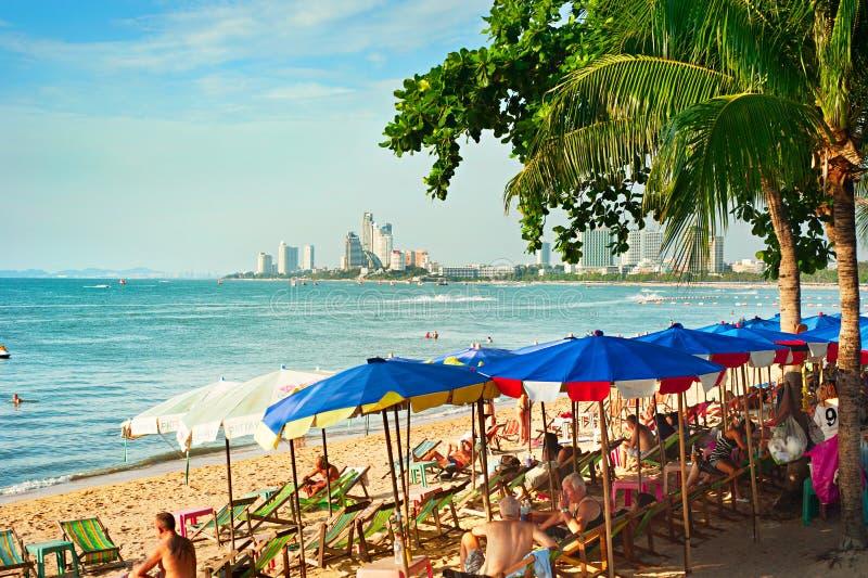 Pattaya strandvardagsrum, Thailand royaltyfria bilder
