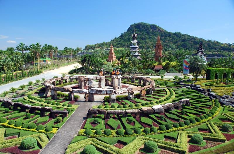 Pattaya, Tailândia: Stonehenge em Nong Nooch foto de stock