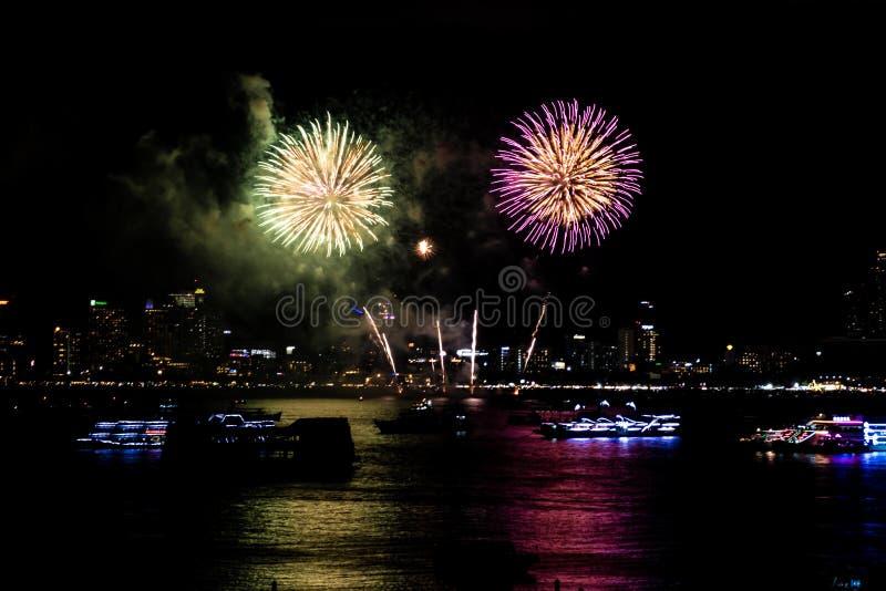 Pattaya Tail?ndia-maio, 24 2019 fogos de artif?cio internacionais mostra o festival 2019 fotografia de stock royalty free