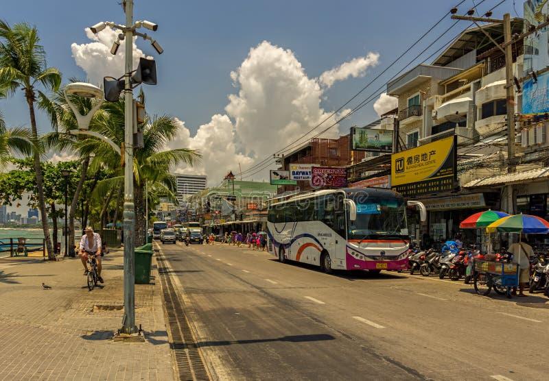PATTAYA, TAILANDIA - APRILE 24,2018: Beachroad questo è la parte superiore della strada fotografia stock libera da diritti