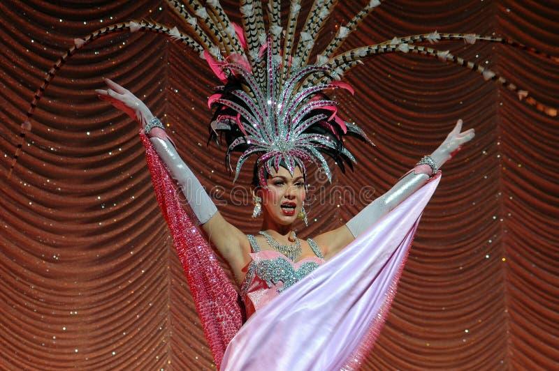 Pattaya, Tailandia: Showgirl al teatro di Alcazar immagini stock libere da diritti