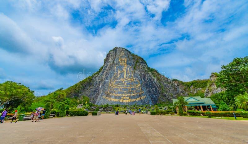 Pattaya Tajlandia, Maj, - 2019: Buddha Halny Khao Chee Chan Khao chee Chan wielki Buddha rzeźbił w świacie na niebie zdjęcie stock