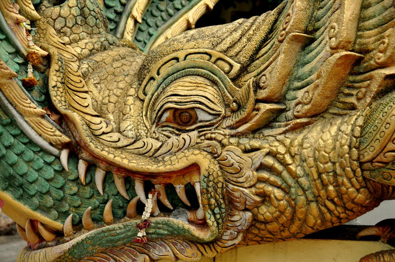 Pattaya, Thaïlande : Détail de visage de dragon photo stock