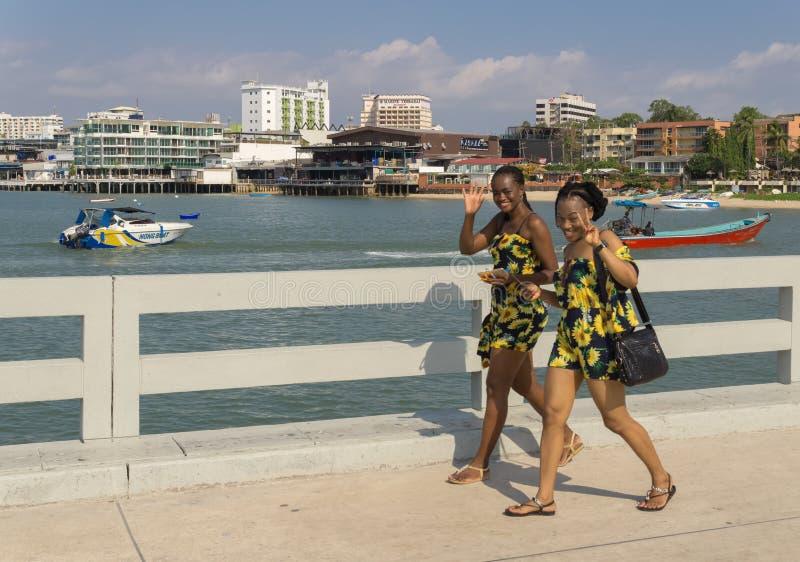 PATTAYA, THAILAND - APRIL 14,2018: Bali Hai This is een deel van de haven waar toeristen die reizen beginnen royalty-vrije stock afbeelding