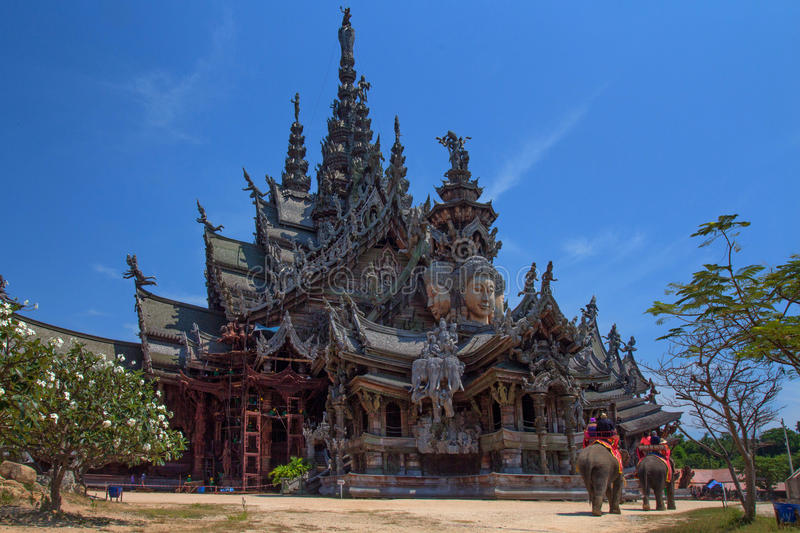 PATTAYA, THAILAND - CIRCA MARCH 2013: Temple stock photography