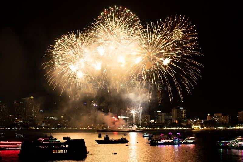 Pattaya Thailand Internationale Feuerwerke zeigen Festival Sch?ne Feuerwerke lizenzfreies stockfoto