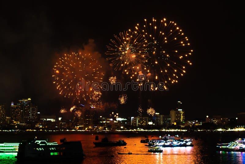 Pattaya Thailand Internationale Feuerwerke zeigen Festival Sch?ne Feuerwerke stockfotos