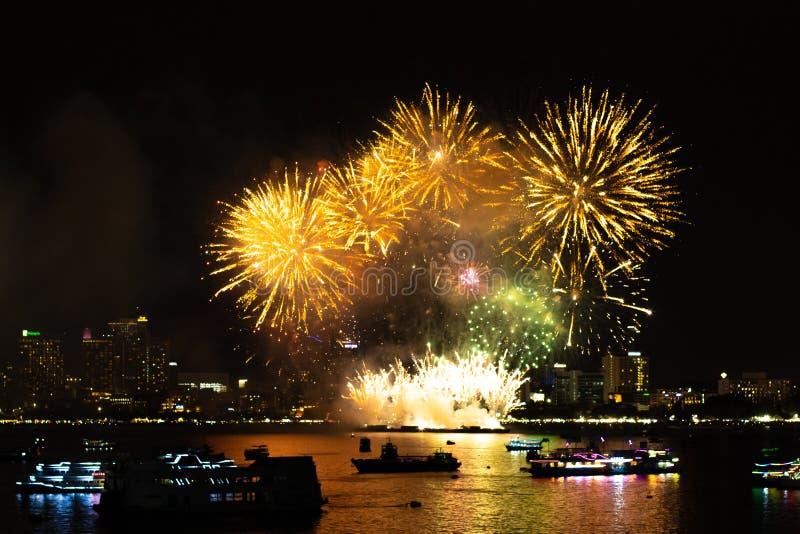 Pattaya Thailand Internationale Feuerwerke zeigen Festival Sch?ne Feuerwerke lizenzfreie stockbilder