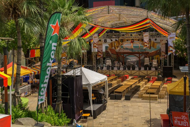 PATTAYA, THAILAND - OKTOBER 12,2018: Het centrale Festival dichtbij beachroad en op het openluchtgebied van de wandelgalerij was  royalty-vrije stock fotografie