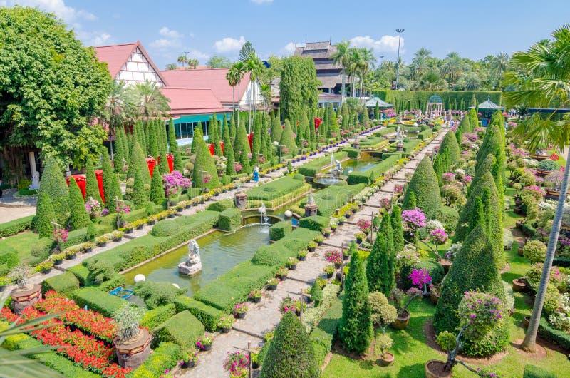 Pattaya, ThailandNong: Desig tropical do jardim de Nooch imagem de stock