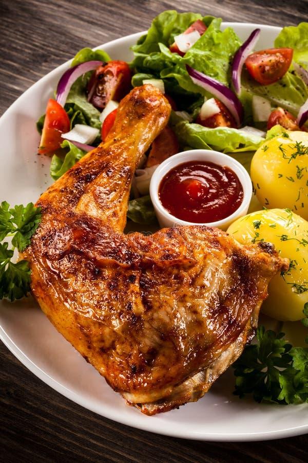 Patte rôtie de poulet photos libres de droits