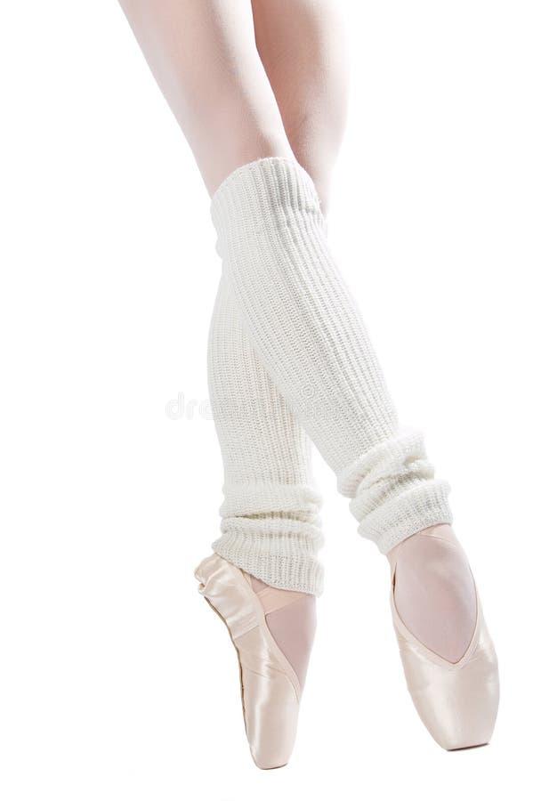 Pattes dans des chaussures de ballet 6 photographie stock libre de droits