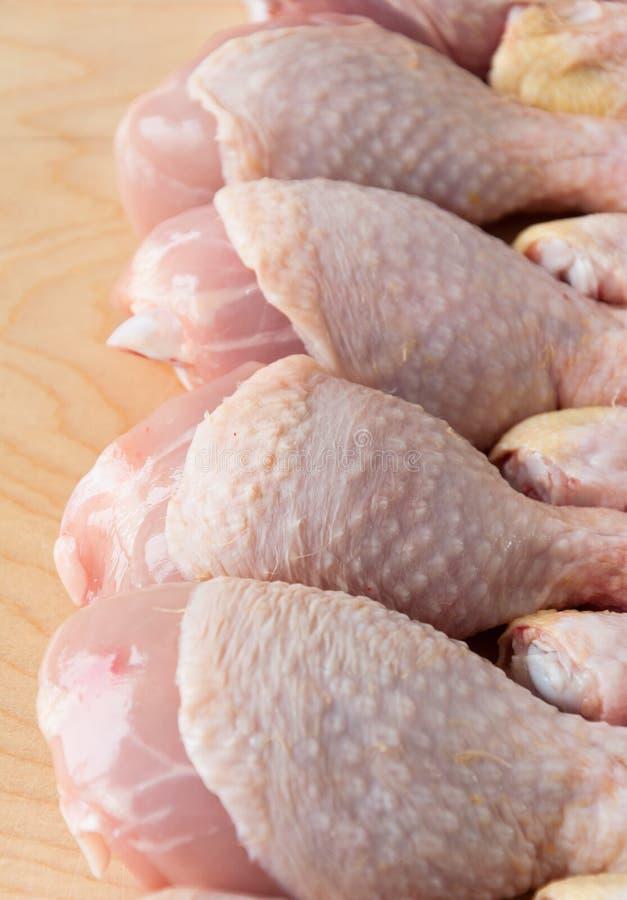 Pattes de poulet fraîches photo stock