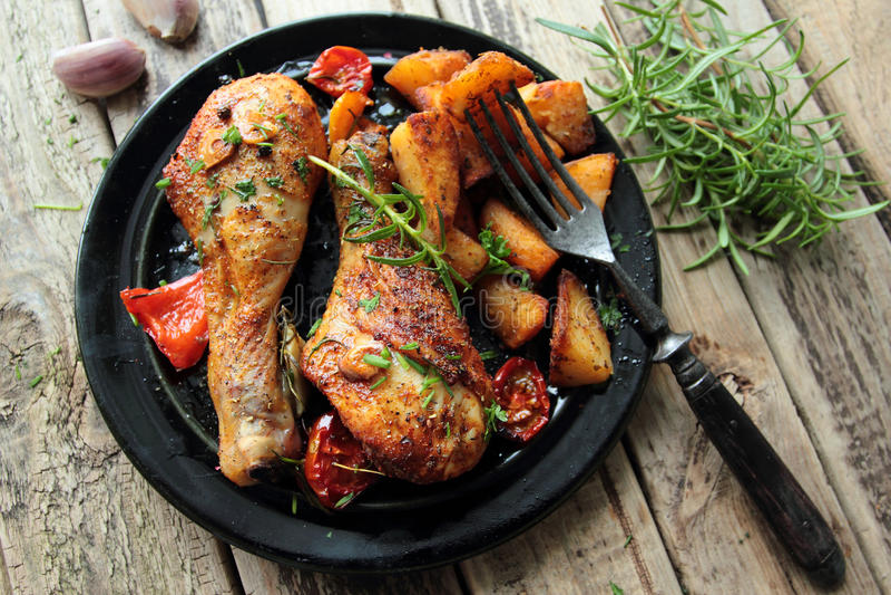 Pattes rôties de poulet images libres de droits