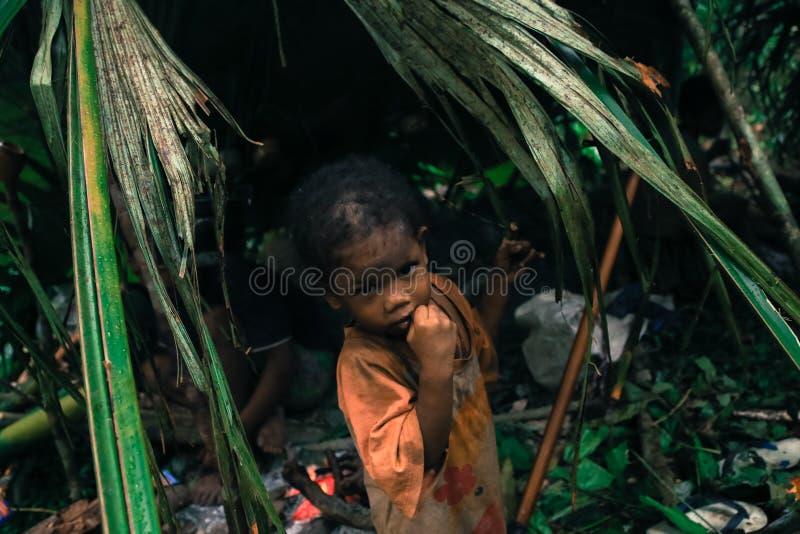Download PATTHALUNG, TAILANDIA - 13 DE DICIEMBRE DE 2015: El Negrito De Tailandia Son Una Tribu Del Saa-gai Que Viven Pacífico En El Denso Foto de archivo editorial - Imagen de tribu, tailandia: 64204858