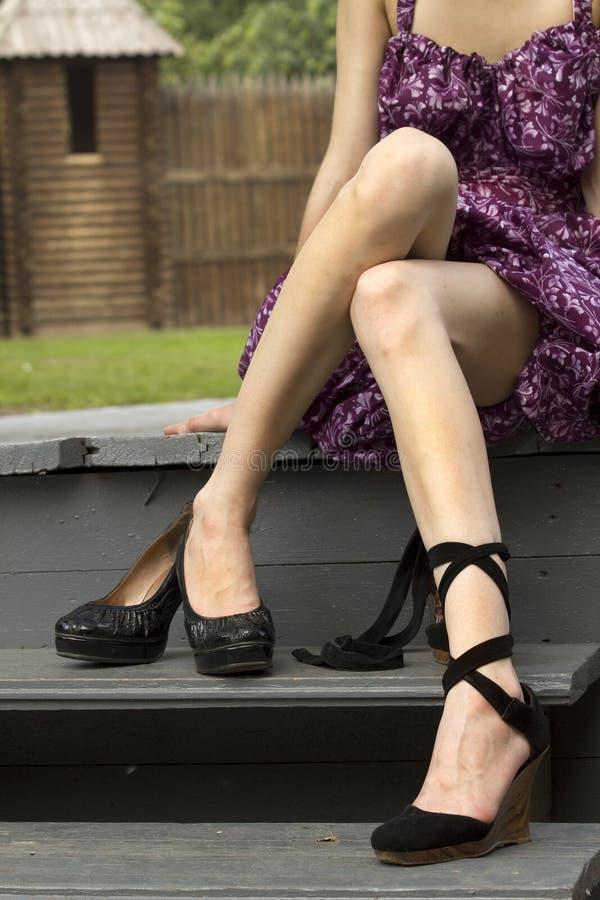 Pattini del rimontaggio dei piedi delle donne immagine stock
