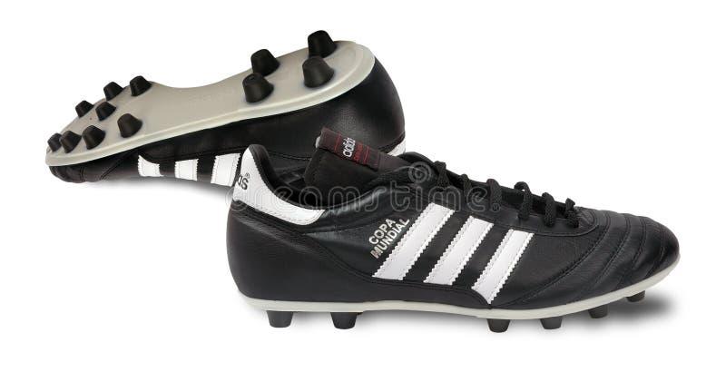 Pattini di gioco del calcio di Adidas immagine stock libera da diritti