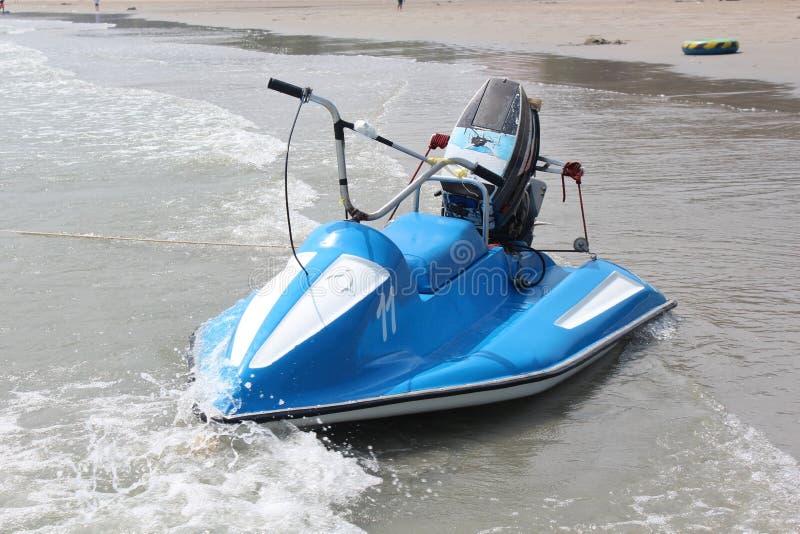 Pattino del jet sulla spiaggia fotografia stock libera da diritti