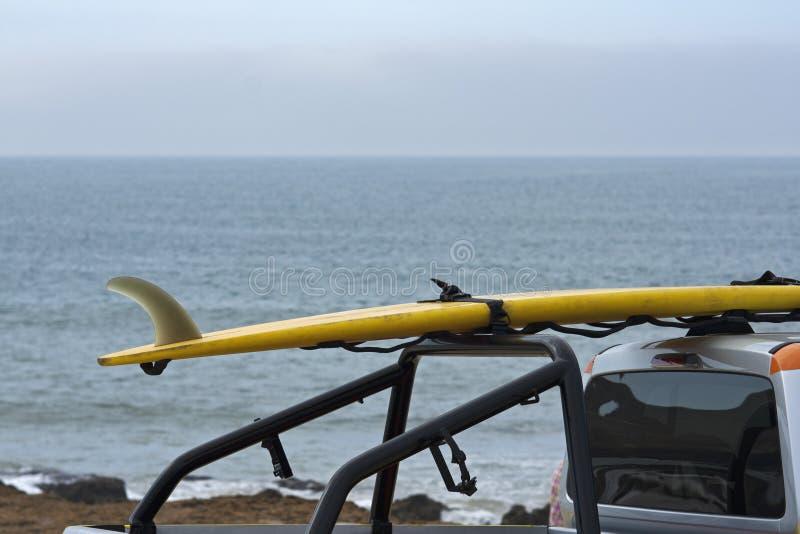 Pattuglia della polizia del bagnino nella spiaggia di Carcavelos immagini stock