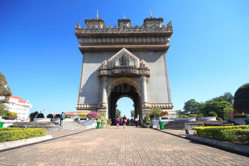 Patuxai Victory Monument, Vientián Laos, la puerta del monumento de la victoria de Vientián imagenes de archivo