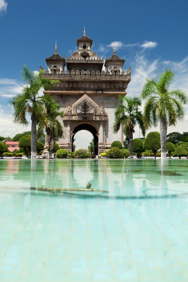 Patuxai in Vientiane lizenzfreie stockbilder