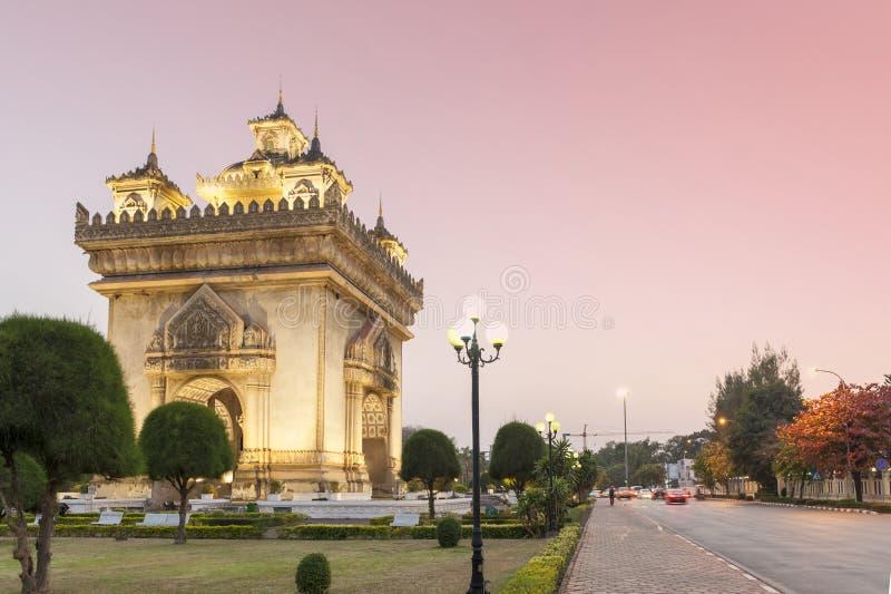 Patuxay或Patuxai胜利纪念碑,万象,老挝首都建筑地标  免版税库存照片