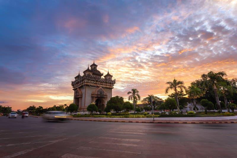 [Patuxay]万象老挝,日出在Patuxai的早晨 库存照片