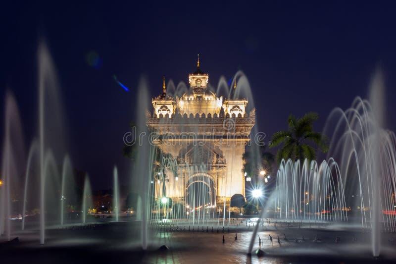 Patuxay lub Patuxai zwycięstwa zabytek, architektoniczny punkt zwrotny Vientiane, stolica Laos fotografia stock