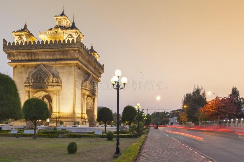 Patuxay lub Patuxai zwycięstwa zabytek, architektoniczny punkt zwrotny Vientiane, stolica Laos zdjęcia royalty free