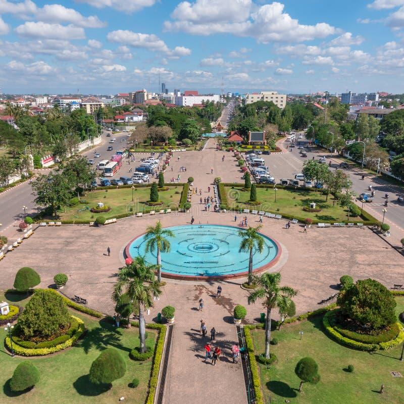 Patuxay park w Vientiane, widok z wierzchu Patuxai bramy fotografia stock